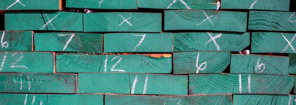 Planches de bois pour les ateliers de perfectionnement de l'École d'ébénisterie d'art de Montréal.