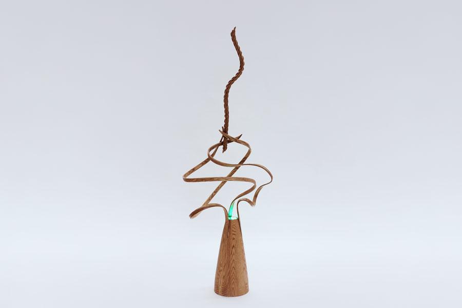Objet en bois, réalisé durant la formation collégiale technique en métiers d'art, option ébénisterie artisanale, à l'École d'ébénisterie d'art de Montréal.